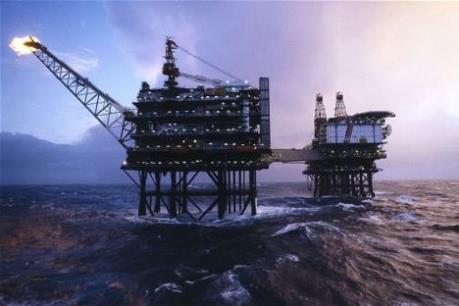 Ngành dầu mỏ Biển Bắc đối mặt với khó khăn chồng chất