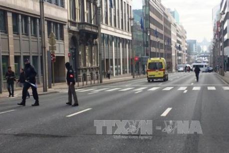 Đánh bom khủng bố tại Bỉ: Ngừng hoạt động hàng không và đường bộ nối với thủ đô Bỉ