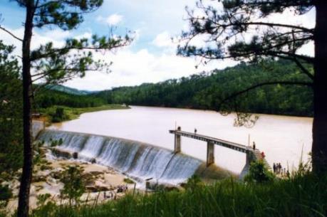 Thắng cảnh hồ Đankia - Suối Vàng (Lâm Đồng) bị xâm hại nghiêm trọng