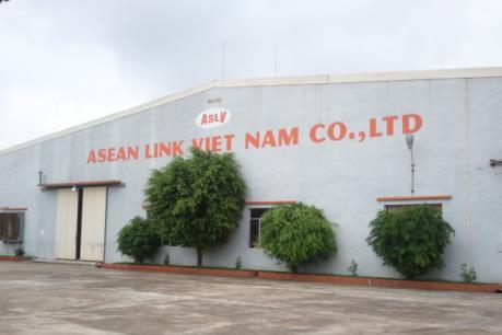 Công nhân của Công ty TNHH Asean Link Việt Nam đi làm trở lại