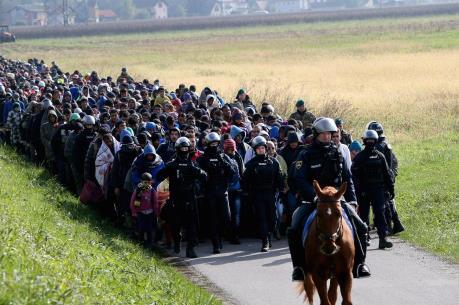 Vấn đề người di cư: Ba Lan từ chối tiếp nhận người di cư sau vụ khủng bố tại Bỉ