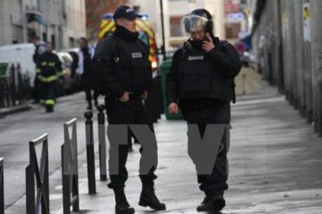 Pháp đập tan âm mưu tấn công khủng bố ở Paris