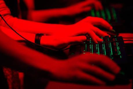 Mỹ cáo buộc 7 công dân Iran tấn công hệ thống máy tính của hàng chục ngân hàng