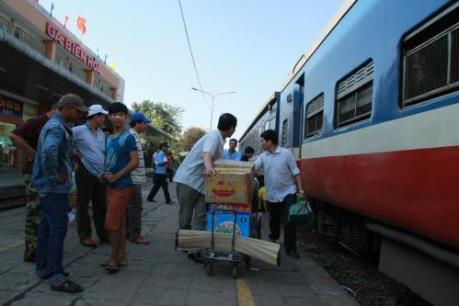 Sau vụ sập cầu Ghềnh: Nâng cấp các ga để giao nhận hàng hóa nhanh
