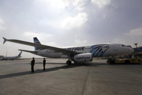 Vụ bắt cóc máy bay Ai Cập: Không tặc cho phép phụ nữ và trẻ em rời khỏi máy bay