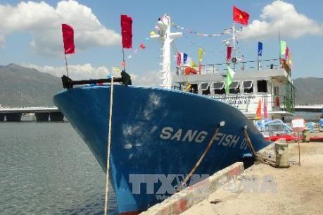 Ngư dân trả lại tàu vỏ thép đóng theo Nghị định 67