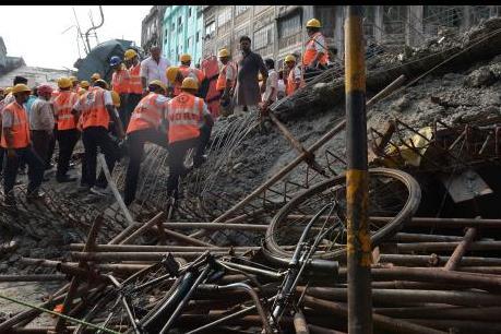 Vụ sập cầu vượt ở Ấn Độ: Số thương vong tăng cao