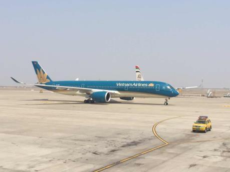 """Vietnam Airlines khai thác """"siêu"""" máy bay A350 trên tuyến Hồ Chí Minh - Thượng Hải"""