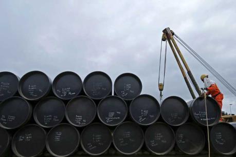 Giá dầu châu Á 1/4 tiếp tục bị chi phối bởi nỗi lo dư cung