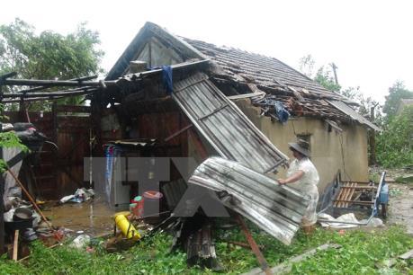 Lốc xoáy đầu mùa làm sập và hư hại 76 ngôi nhà tại Yên Bái