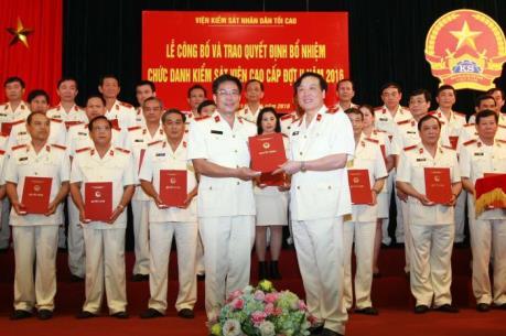 Công bố quyết định bổ nhiệm chức danh Kiểm sát viên cao cấp đợt II năm 2016