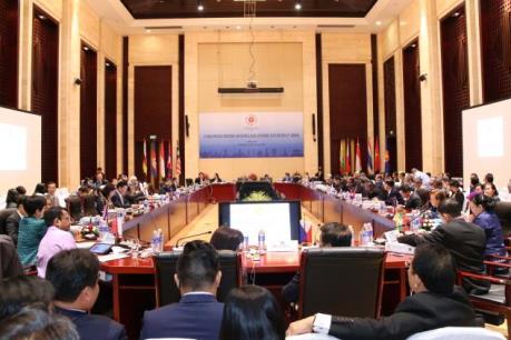 Nhóm họp Hội nghị Bộ  trưởng Kinh tế ASEAN lần thứ 48