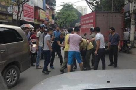 Hà Nội: Tạm giữ đối tượng điều khiển xe ô tô lao vào Cảnh sát giao thông