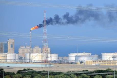Giá dầu Brent chạy qua mốc 50 USD/thùng