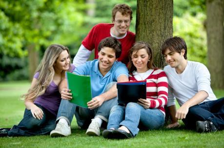 Chương trình việc làm cho sinh viên quốc tế tại Canada cần được xem xét lại