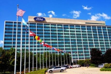 Ford tăng thu hồi xe, hạ dự báo lợi nhuận năm 2016