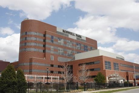 Roswell Park của Mỹ muốn mua vắc xin phòng chống ung thư của Cuba