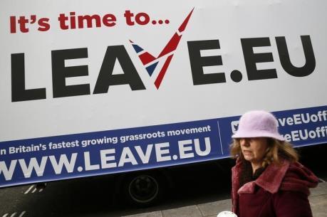 """Brexit đe dọa """"ngôi vương"""" của London trên thị trường hối đoái"""