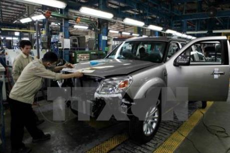 Sức tiêu thụ ô tô tháng Ba tăng 112%