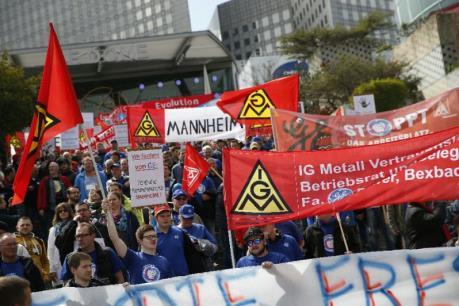 Pháp: Nhân viên GE biểu tình phản đối kế hoạch tái cơ cấu