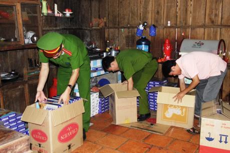 Bình Phước bắt đối tượng vận chuyển thuốc lá lậu