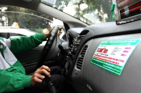 Nhiều hãng taxi đã hoàn thành việc lắp thiết bị in hóa đơn