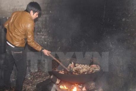 Hà Nội phát hiện cơ sở thu gom gần 5 tấn mỡ bẩn