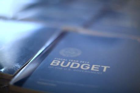 Thâm hụt ngân sách của Mỹ tăng mạnh trong tháng 3/2016