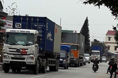 Phí Quốc lộ 5 tăng, tỉnh lộ oằn mình gánh xe tải trọng lớn