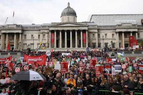 Nước Anh với chính sách khắc khổ không được lòng dân