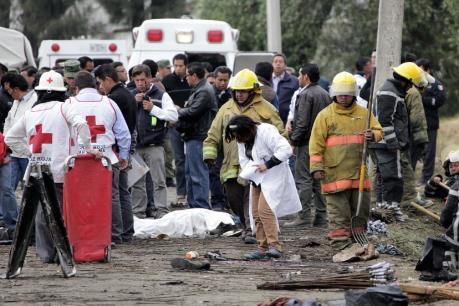 Nổ lớn tại nhà máy hóa dầu Mexico, hơn 60 người thương vong