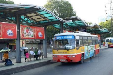 Khai thác tuyến xe buýt chất lượng cao từ Trung tâm Hà Nội đến sân bay Nội Bài dịp 30/4