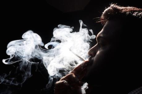 Đức cấm quảng cáo thuốc lá trên phim ảnh