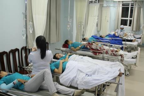Tin mới nhất về 21 công nhân phải nhập viện sau bữa ăn trưa
