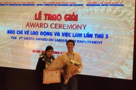 Nhóm tác giả Ban BBT Kinh tế/BNEWS/TTXVN đạt Giải báo chí Lao động - Việc làm