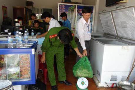 Vụ hơn 300 công nhân ở Bình Phước ngộ độc: Truy xuất nguồn gốc thực phẩm bẩn