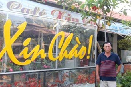 Vụ quán cà phê Xin Chào: Viện KSND huyện Bình Chánh trao quyết định đình chỉ vụ án