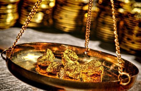 Giá vàng đầu tuần giảm mạnh