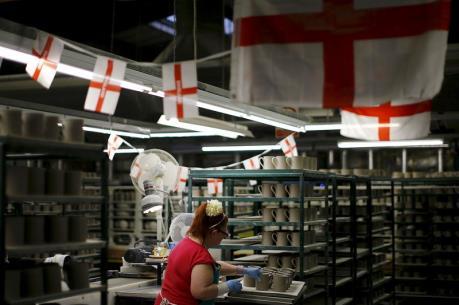 Ngành dịch vụ mang lại nhiều lợi ích kinh tế cho Anh