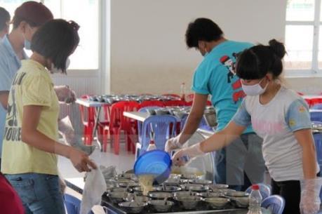 Thực phẩm vào trường học: Chỉ có thể đánh giá chất lượng bằng cảm quan