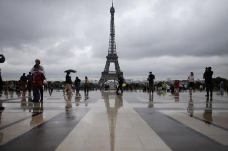 Du khách đến Pháp đạt kỷ lục bất chấp khủng bố