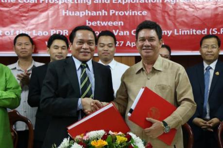 Việt Nam ký hợp đồng thăm dò khai thác than tại Lào