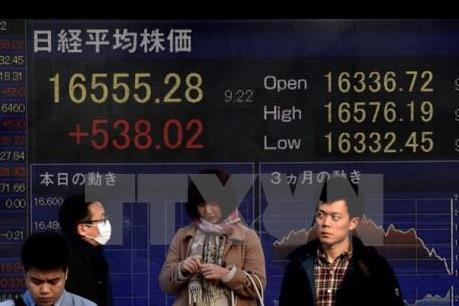 """Fed """"bóng gió"""" chủ trương nâng lãi suất, chứng khoán châu Á đỏ sàn"""
