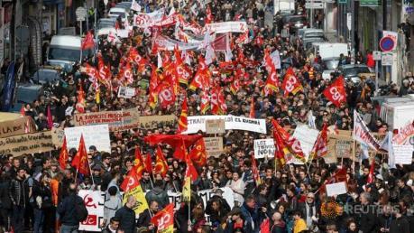 """Nước Pháp """"nóng"""" lên với dự luật lao động mới"""