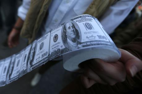 Latvia phá đường dây in tiền giả quy mô lớn