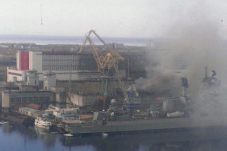 Tàu ngầm hạt nhân Nga bốc cháy khi tháo dỡ