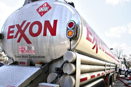 """Các """"đại gia"""" dầu mỏ thế giới sụt giảm lợi nhuận nghiêm trọng"""
