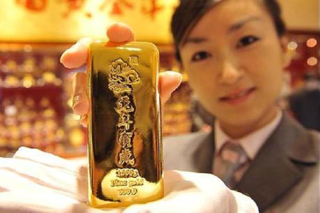 Giá vàng châu Á ngày 2/5 ở gần mức đỉnh của 15 tháng