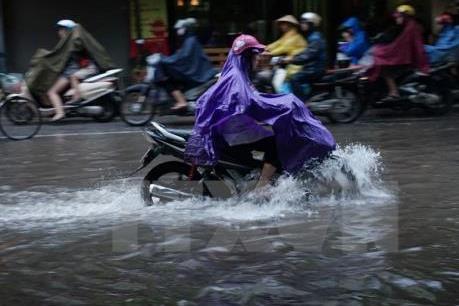 Dự báo thời tiết đêm 2/5, khu vực Hà Nội có khả năng xảy ra tố lốc, sấm sét, gió giật mạnh