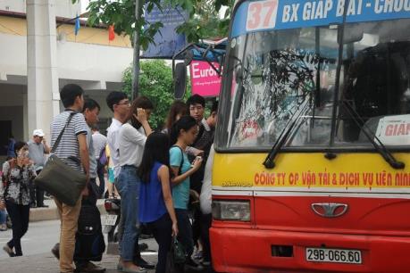 Áp lực không lớn tại các bến tàu, xe Hà Nội sau nghỉ lễ